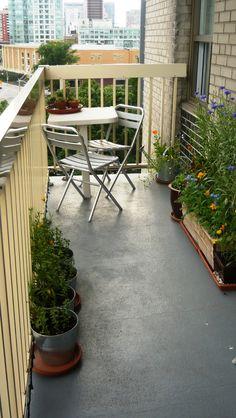 Balcony Gardens: Beautifying Small Spaces - DIY Backyard Gardening