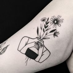 Tattoos for girls - what are the hottest and sexiest places? - Designs for ankles, hand gel . - Tattoos for girls – what are the hottest and sexiest places? – designs for ankle, wrist, foot a - Head Tattoos, Mini Tattoos, Cute Tattoos, Flower Tattoos, Small Tattoos, Tatoos, Simple Flower Tattoo, Tattoos Skull, Awesome Tattoos