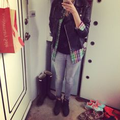 #ootd leather jacket x DL1967 grey skinny jeans x AE plaid shirt x Vince Camuto booties