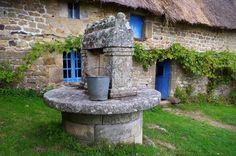 Chaumière à l'écomusée de Saint-Dégan, Brec'h.  Morbihan.  Brittany