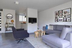 www.lifs.nl #lifs #interior #interiordesign #interieuradvies #ontwerp #3D #kleuradvies #lichtplan Sectional, Decor, Corner Desk, Couch, Home Decor Decals, Furniture, Sectional Couch, Interior Design, Home Decor