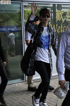 140531- EXO Park Chanyeol @ Hong Kong Airport #exok #fashion