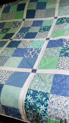 Charm Pack Quilt Patterns, Quilt Square Patterns, Patchwork Quilt Patterns, Beginner Quilt Patterns, Modern Quilt Patterns, Quilting For Beginners, Crazy Patchwork, Patchwork Fabric, Simple Quilt Pattern