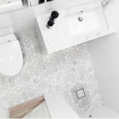 Hexagons in genuine Bianco Carrara marble. It is always in stock with us and fi . Relaxing Bathroom, Bathroom Spa, Bathroom Toilets, Bathroom Renos, White Bathroom, Bathroom Interior, Home Interior, Small Bathroom, Bathroom Inspiration