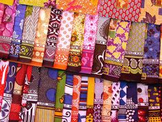 Kangas from Zanzibar, Tanzania African Fabric, African Art, African Prints, African Patterns, Indian Fabric, Mode Wax, Textiles, Thinking Day, Travel Gifts