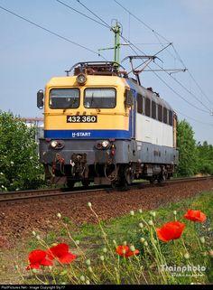 360 Hungarian State Railways (MÁV) 432 at Békéscsaba, Hungary by Europe Train, Bahn, Commercial Vehicle, Locomotive, Vehicles, Trains, Europe, Hungary, Levitate