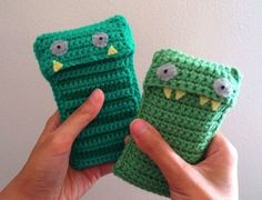 Crocheted Monster Phone Cozy | 28 Adorable DIY Gadget Cases. I may tweek them a bit