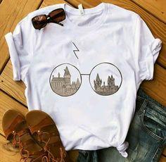 Hogwarts Glasses Harry Potter T-Shirt – T-Shirts & Sweaters Harry Potter Shirts, Mode Harry Potter, Harry Potter Outfits, Harry Potter Fashion, Harry Potter Clothing, Harry Potter Style, Harry Potter Glasses, Harry Potter Dress, Harry Potter Womens Clothes