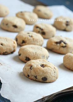 The Urban Poser: Perfect 'Grain Free' Chocolate Chip Cookies (dairy/egg free, refined sugar free, Paleo) Paleo Sweets, Paleo Dessert, Healthy Desserts, Dessert Recipes, Cookie Recipes, Paleo Cookies, Dessert Ideas, Dairy Free Recipes, Real Food Recipes