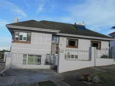 4 Bedroom House in Millard Grange