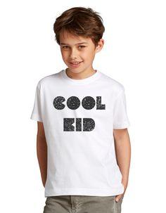 Ubranka dla dzieci z oryginalnymi napisami.