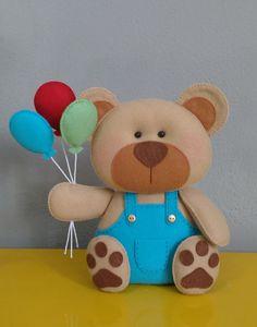 Urso em feltro para nicho, centro de mesa ou decoração de eventos. *Fica em pé sem apoio! Altura: 20 cm