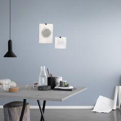 Första stora bilden av tapetern Linne Ljusblå