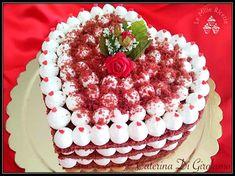 RED VELVET di SAN VALENTINO Birthday Cake Write Name, Birthday Cake Writing, Themed Birthday Cakes, American Cake, Valentines Day Cakes, San Valentino, Wedding Desserts, Girl Cakes, Cake Cookies