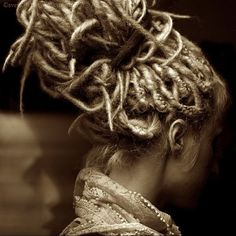 Supplies to create and professionally maintain beautiful natural human hair dreads, extended dreadlocks and locs of every texture. Dreadlock Rasta, Dreadlock Styles, Dreads Styles, Dread Bun, Dread Braids, Box Braids, My Hairstyle, Pretty Hairstyles, Wedding Hairstyles