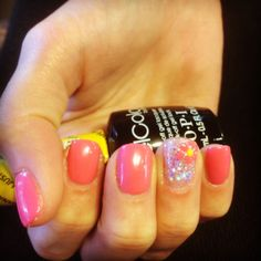 www.nailsbyjune.com gel nails with gel polish & a dazzle rock accent nail & a hand painted flower with gel polish