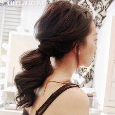 A_youthful_and_sweet_romantic_ponytail______Hair_by__sophielaumakeup__Just_a_few_days_left_until_our_Bridal_workshop__Link_in_bio.jpg 1.080×1.080 pixels
