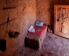 Llit de terra Ottoman, Furniture, Home Decor, Homemade Home Decor, Home Furnishings, Decoration Home, Arredamento, Interior Decorating
