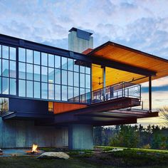 d8mart.com Berkshires' Massachusetts Vacation Home. ⠀ Architect: @olsonkundig⠀… #modern #berkshire #luxuryrealestate #luxe #luxo Mens Style