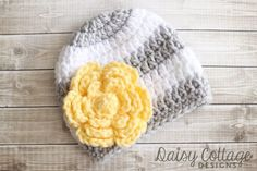 This free flower crochet pattern is the perfect addition to hats and so much more. Made in half an hour or less, it's a great last-minute gift!