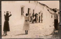 Foto original Guerra Civil Española momento que entran los milicianos en Castilblanco de los Arroyos