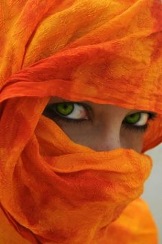 Beautiful Green Eyes Framed in Shear Orange.lovely green eyes too We Are The World, People Around The World, Photo Portrait, Portrait Photography, Happy Colors, Beautiful Eyes, Amazing Eyes, Pretty Eyes, Beautiful People