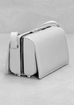 & Other Stories | Leather shoulder bag | Architect's Fashion