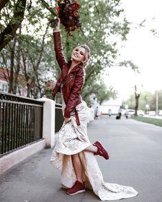 Солнышко выглянуло, хорошее настроение вернулось!☀️☀️☀️ ⠀ Ph: @katrin_photos Muah: @tatyana_obyxova & @elizaveta_svyatetc Model: @k.katerina.d ⠀ ——••••••••••—— #фотограф #photographer #фотографвмоскве #photographerinmoscow #свадебныйфотограф #weddingphotographer #москва #Moscow #свадьба #wedding #невеста #bride #жених #groom #студия #studio #lovestory #nature #семья #family #любовь #love #скороневеста #soonbride #lovestory #портрет #молодожены #загс #studio #утроневесты http://gelinshop.com/