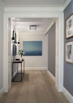 Piso Laminado: Dicas Inspirações Vantagens e Desvantagens Oak Hardwood Flooring, Grey Flooring, White Oak Floors, Light Oak Floors, Light Walls, Floor Colors, Grey Kitchens, Home And Deco, Grey Walls