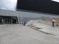 Nous avons travaillé en tant que consultants sur le projet dès le concept jusqu'à la réalisation de la construction du Complexe sportif de Saint-Laurent. #accessibilité #DesignUniversel Saint Laurent, Garage Doors, Sidewalk, Construction, Outdoor Decor, Design, Home Decor, Building, Decoration Home