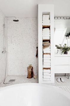 For the past year the bathroom design ideas were dominated by All-white bathroom, black and white retro tiles and seamless shower room Minimal Bathroom, Modern Bathroom Design, Bathroom Interior, Bathroom Ideas, Bathroom Designs, Bathroom Trends, Bathroom Remodeling, Bath Ideas, Shower Designs