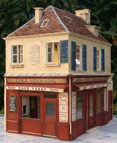 Wow! Love this apartment over a store Miniature Building.. So many ideas....