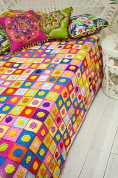 PINK FLORAL PATCHWORK Easy Crochet Blanket, Crochet Bedspread, Bed Spreads, Color Splash, Comforters, Colours, Quilts, Floral, Pink