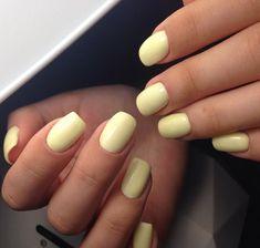 Semi-permanent varnish, false nails, patches: which manicure to choose? - My Nails Classy Nails, Cute Nails, Pretty Nails, My Nails, Simple Nails, No Chip Nails, Basic Nails, Prom Nails, Yellow Nail Art
