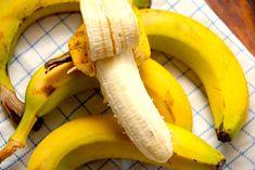 Spis en banan om dagen og få et bedre helbred. Sådan kunne det næsten lyde, for bananer indeholder masser af sunde ting for din krop. Her kan du læse meget mere om hvor sund en
