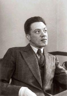 Jorge Mateo Cuesta Porte-Petit, cuyo nombre literario es Jorge Cuesta, fue un escritor inconforme e incomprendido miembro del grupo Los Contemporáneos. Fue un destacado editor, fundador de la revista Examen, un crítico literario extraordinario y un gran poeta. En vida ni sus ensayos ni sus poemas le fueron valorados, lo que sólo sucedió años después de su muerte.