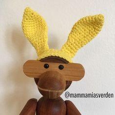 Jeg synes, det er så hyggeligt, når jeg hækler nissehuer til Kay Bojesen aben. Derfor har jeg udtænkt en lille nem men dekorativ påskehareha...