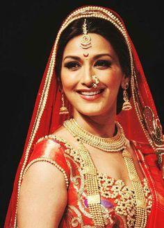 Sonali Bendre in a bridal attire Beautiful Indian Brides, Beautiful Indian Actress, Beautiful Bride, Beautiful Ladies, Big Fat Indian Wedding, Indian Bridal, Indian Dresses, Indian Outfits, Indian Clothes