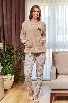 Couple Pajamas, Girls Pajamas, Pijama Satin, Pijamas Women, Cute Sleepwear, Night Suit, Pajama Outfits, Night Dress For Women, Winter Outfits Women