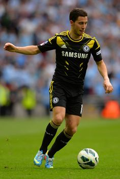 Eden Hazard, soccerplayers are the hottest !!