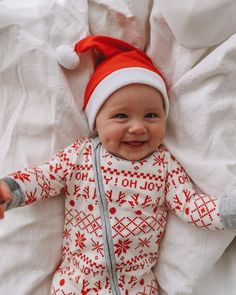 Love this little Christmas outfit for baby! Perfect for Christmas morning - Baby Stuff So Cute Baby, Baby Kind, Baby Love, Cute Kids, Cute Babies, Baby Baby, Christmas Baby, Christmas Morning, Baby Christmas Outfits