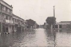 Phnom Penh floods, [1952], #Cambodia | © unknown