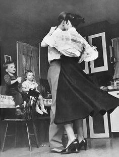 Tomando nota de papá y mamá para cuando seamos mayores.... Susanne Szasz.