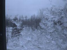 jääkuviota ikkunassa