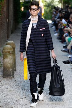 Andrea Pompilio Spring 2016 Menswear Collection Photos - Vogue
