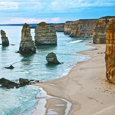 Follow our wonderful friend @tracy komlos for more travel inspiration! The Twelve Apostles, Great Ocean Road, Australia. Photo by @tracy komlos