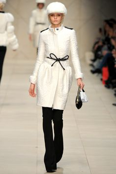 Burberry Prorsum Fall 2011 Ready-to-Wear Fashion Show - Abbey Lee Kershaw