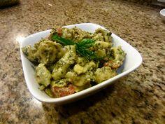 great for 4th of july- pesto tomato feta tortellini pasta salad!