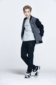 OFFICIAL] 170119 SKECHERS Facebook Update - Xiumin