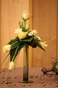 might work on side tables using the varied height candleholders. Rose Flower Arrangements, Modern Floral Arrangements, Creative Flower Arrangements, Ikebana Flower Arrangement, Vase Arrangements, Deco Floral, Arte Floral, Corporate Flowers, Church Flowers